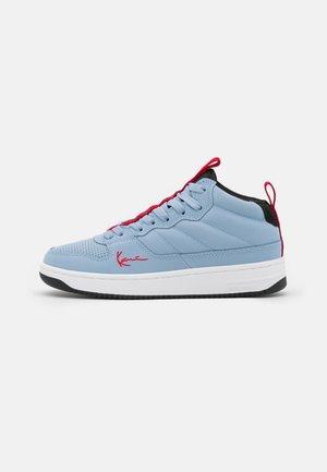 89 MID - Sneakers hoog - powder blue/true red/black/white