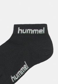 Hummel - TORNO 3 PACK UNISEX - Trainer socks - black - 2