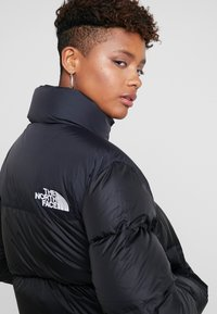 The North Face - NUPTSE CROP - Dunjakke - black - 3
