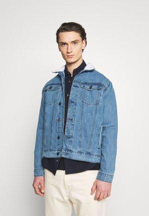 BORG TRUCKER - Giacca di jeans - blue
