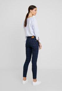 Yargici - PRINTED TROUSER - Slim fit jeans - dark indigo - 2