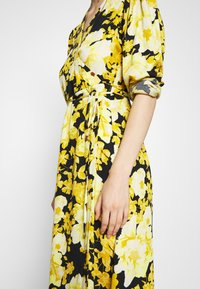 Soft Rebels - SRROSANNA MIDI DRESS - Day dress - yellow - 5