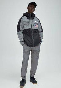PULL&BEAR - Light jacket - dark grey - 1