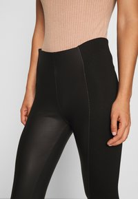 Even&Odd - PU LEGGINGS WITH PUNTO INSERTS - Leggings - black - 4