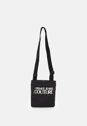 RANGE LOGO TYPE UNISEX - Across body bag - nero