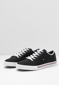 Tommy Hilfiger - CORE CORPORATE - Sneakers - black - 2