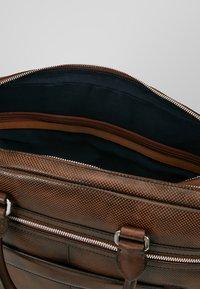 Bugatti - BRIEFBAG LARGE - Briefcase - brown - 5
