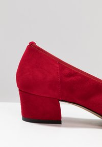 PERLATO - Classic heels - kiss - 2