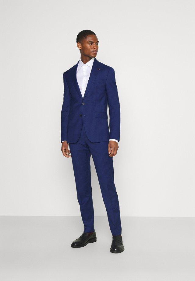 FLEX STRIPE SLIM FIT SUIT SET - Costume - blue