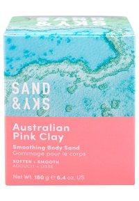 Sand&Sky - AUSTRALIAN PINK CLAY - SMOOTHING BODY SAND - Scrub corpo - - - 2