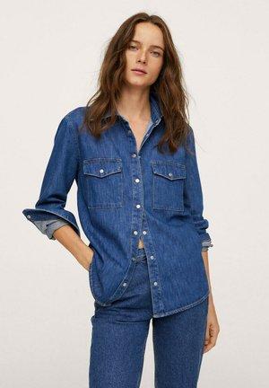 À POCHES - Button-down blouse - dark blue