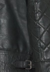 Belstaff - OUTLAW 2.0 JACKET - Leather jacket - pine - 2