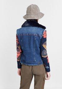 Desigual - CHAQ_EXOTIC KEELER - Denim jacket - blue - 2