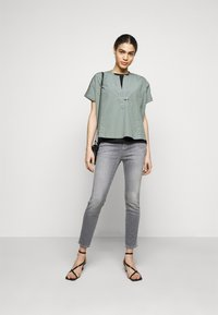 CLOSED - PUSHER - Jeans Skinny Fit - mid grey - 1
