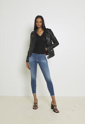 VMPEACH MR SKINNY  - Jeans Skinny Fit - medium blue denim