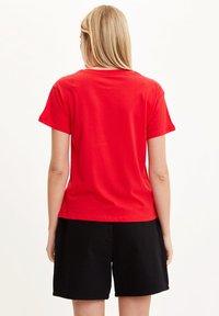 DeFacto - Print T-shirt - red - 1