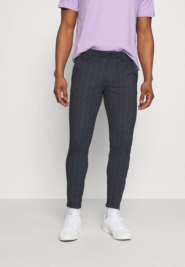 PISA QUAD PANT - Pantalon classique - blue