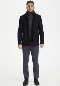 Matinique - MATINIQUE MAHARVEY SHORT - Blazer jacket - dark navy - 1
