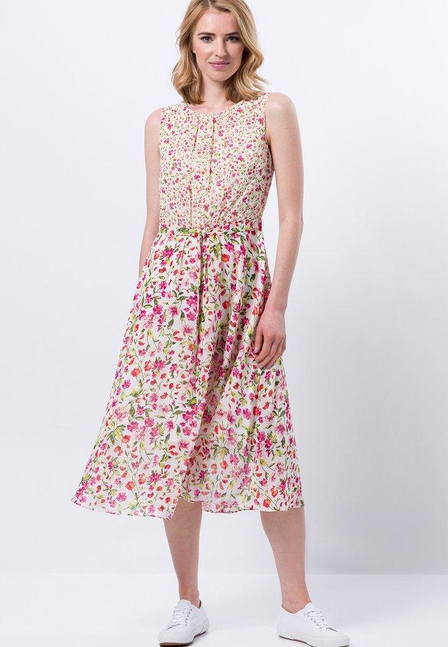 MIT BLUMENMUSTER - Korte jurk - offwhite