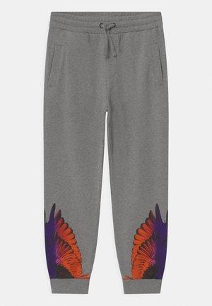 WINGS COLOR - Teplákové kalhoty - grigio melange