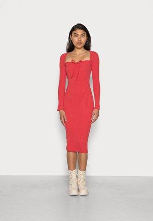 HALTERNECK TEXTURED MIDAXI DRESS - Jumper dress - red