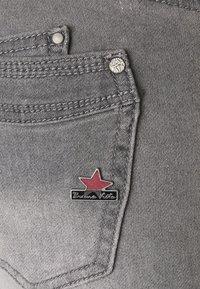 Buena Vista - MALIBU - Slim fit jeans - 4221-grey denim - 2