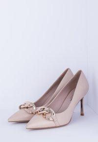 TJ Collection - High heels - beige - 2