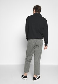 Afends - MIXED BUSINESS  SUIT PANT - Kalhoty - grey - 2