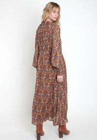Maison 123 - Maxi dress - marron caramel - 0