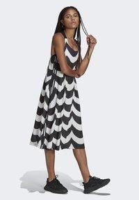 adidas Originals - X MARIMEKKO - Vestido camisero - black/white - 1