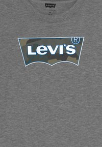Levi's® - GRAPHIC TEE - Print T-shirt - dark grey heather - 3
