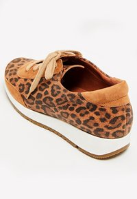 usha - Zapatillas - brown - 4