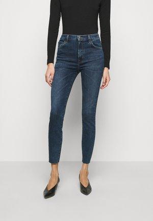 LEENAH HIGH RISE ANKLE - Skinny džíny - mason raze
