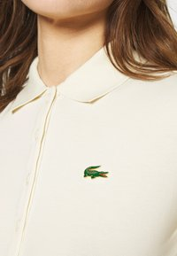 Lacoste LIVE - Poloshirt - naturel clair - 5