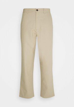 HAWTIN CROP HOPSACK - Trousers - sandstone