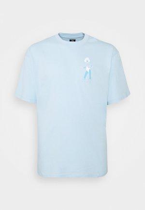 LAYING MODEL - Print T-shirt - cereluan