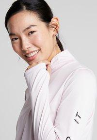 Nike Performance - MIDLAYER RUN - Sports shirt - barely rose/white - 3