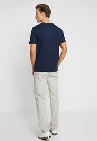 GAP - EVERYDAY POCKET CREW - Basic T-shirt - tapestry navy - 2