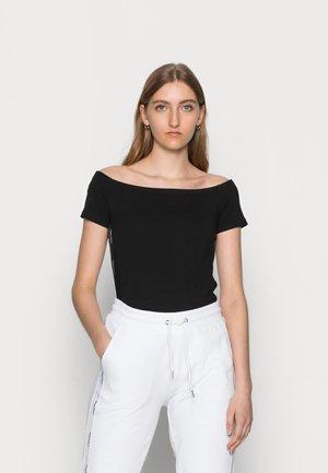 LOGO TAPE BARDOT - Print T-shirt - black