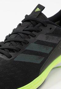 adidas Performance - Hardloopschoenen neutraal - cblack/cblack/siggnr - 2