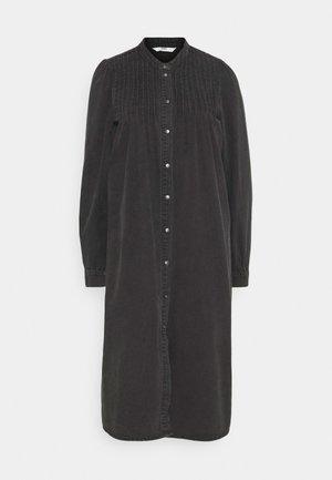 ONLRAINA DRESS YORK - Sukienka jeansowa - black denim