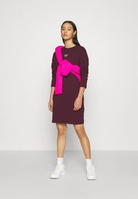 Reebok Classic - Day dress - bordeaux