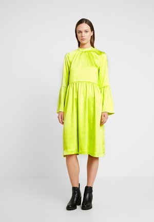 PIL DRESS - Day dress - neon yellow