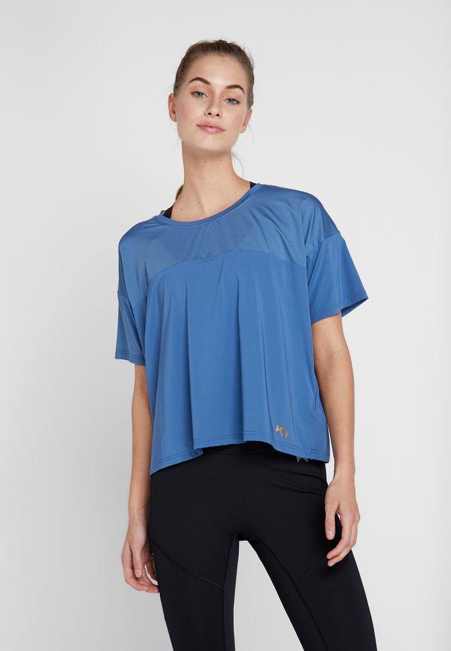 BEATRICE TEE - T-shirt z nadrukiem - astro