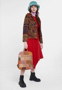 Desigual - HAMINA - Sweatshirt - brown - 1