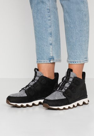 KINETIC CARIBOU - Ankelboots - black