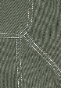 Kaotiko - CARPENTER TROUSERS UNISEX - Trousers - olive - 2