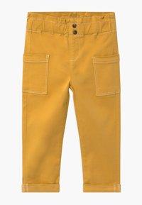 Name it - NMFROSE TWIATARA PANT - Trousers - spicy mustard - 0