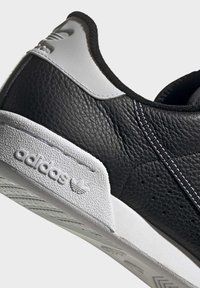 adidas Originals - CONTINENTAL 80 SHOES - Trainers - black - 9
