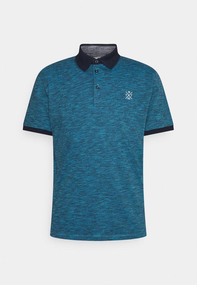 FINE STRIPED WITH DETAILS - Polo - aquarius blue